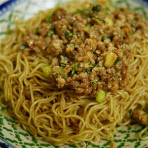 Mince Pork with Coriander and Fish Sauce